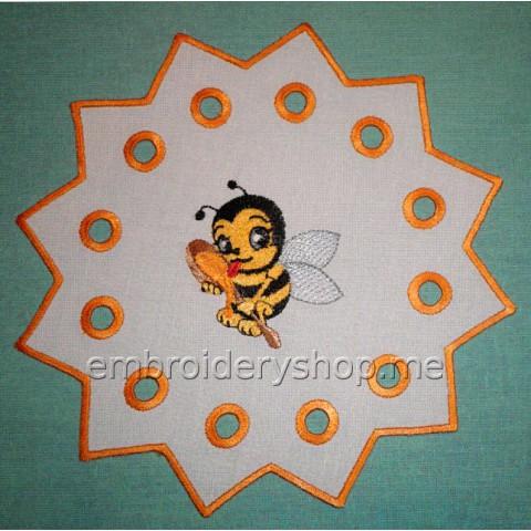 Салфетка «Пчёлка» cut0048